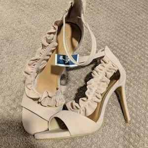 Nude ruffle heels